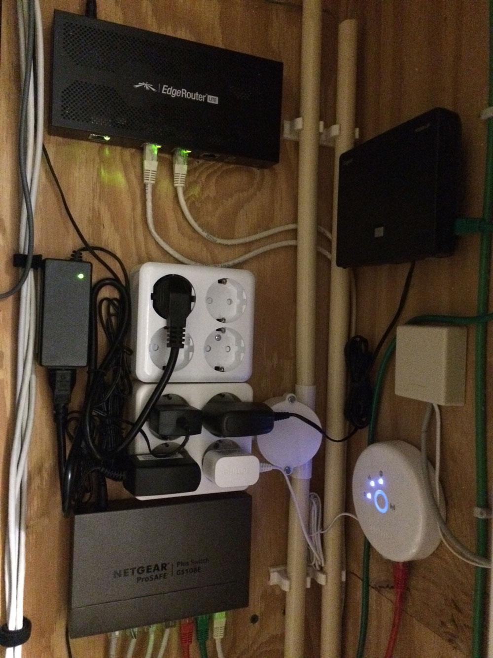 EdgeRouter Lite & Netgear switch